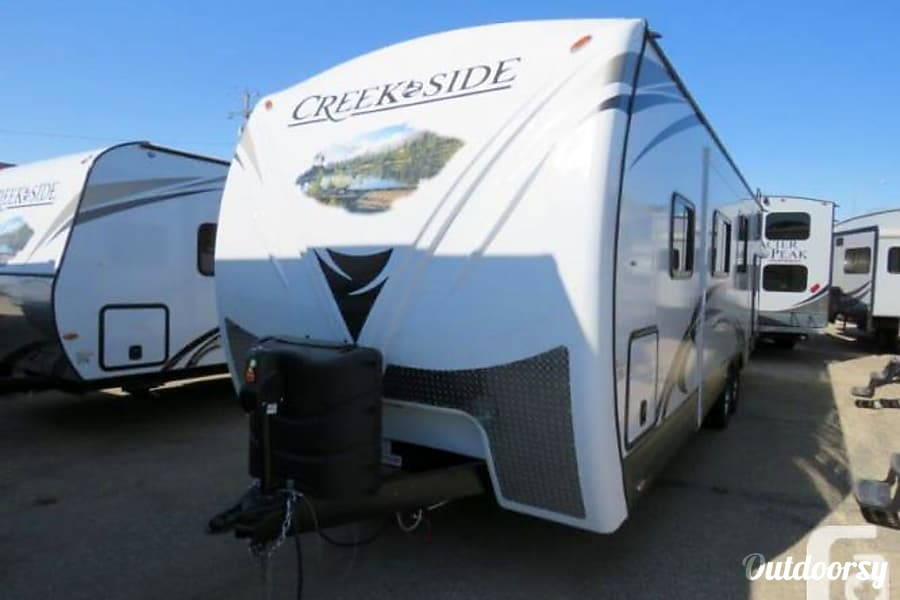 All Seasons !!!!  2017 Outdoors RV Creek Side 27BHS Tigard, OR