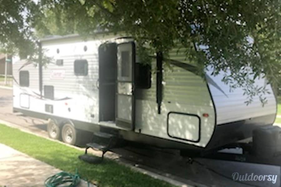 exterior 2015 Coleman by Dutchmen 262BH Bunkhouse New Braunfels, TX