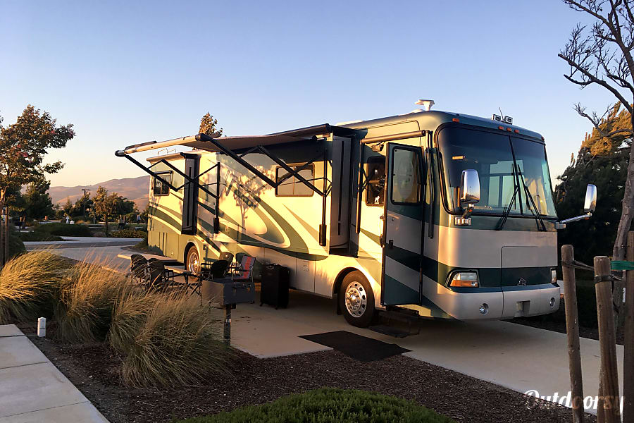 exterior '05 Monico Beaver Diesel Motor Coach /4 slides San Lorenzo, CA
