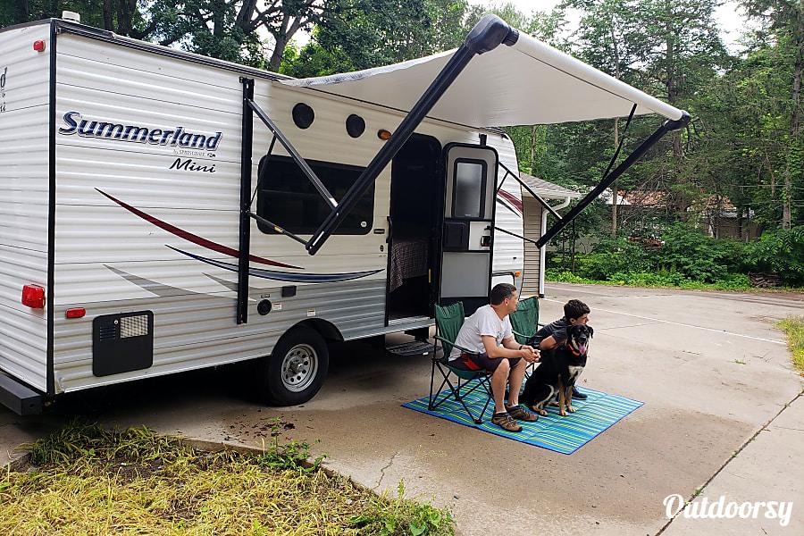 exterior 2015 Keystone Summerland Mini Clear Lake, MN