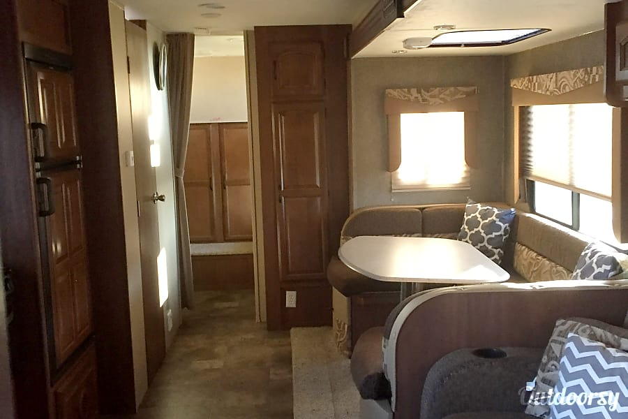 2016 Coachmen Freedom Express Kitts Hill, OH