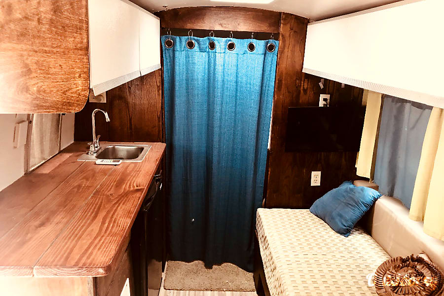 1967 Airstream Classic Limited Trailer Rental In Mcallen