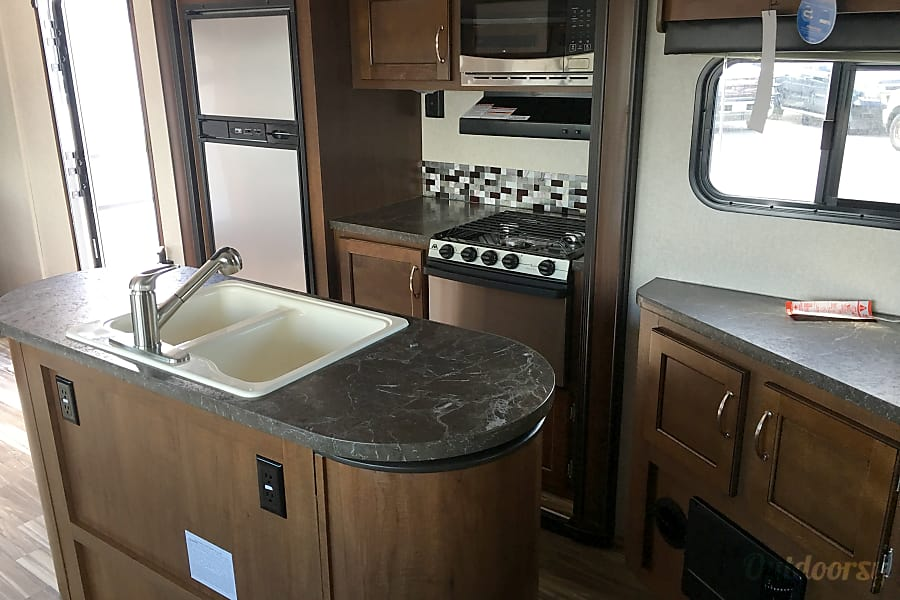 interior 2017 Jayco Jay Flight I can Deliver and Pick-Up New Braunfels, TX