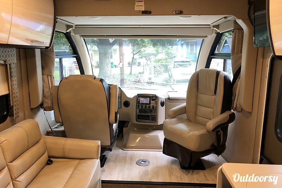 2018 Thor Motor Coach Axis Charlotte, NC