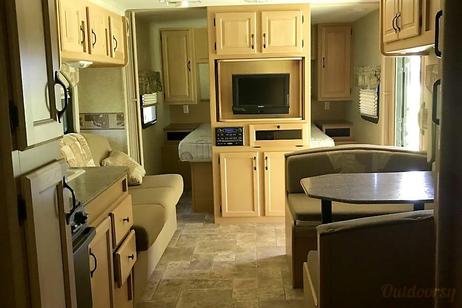 2011 Evergreen Everlite Travel Trailer Grandview, MB