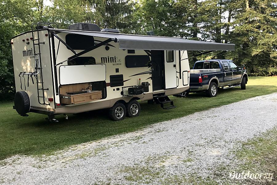 exterior 2018 Forest River Rockwood Mini Lite Middle River, MD