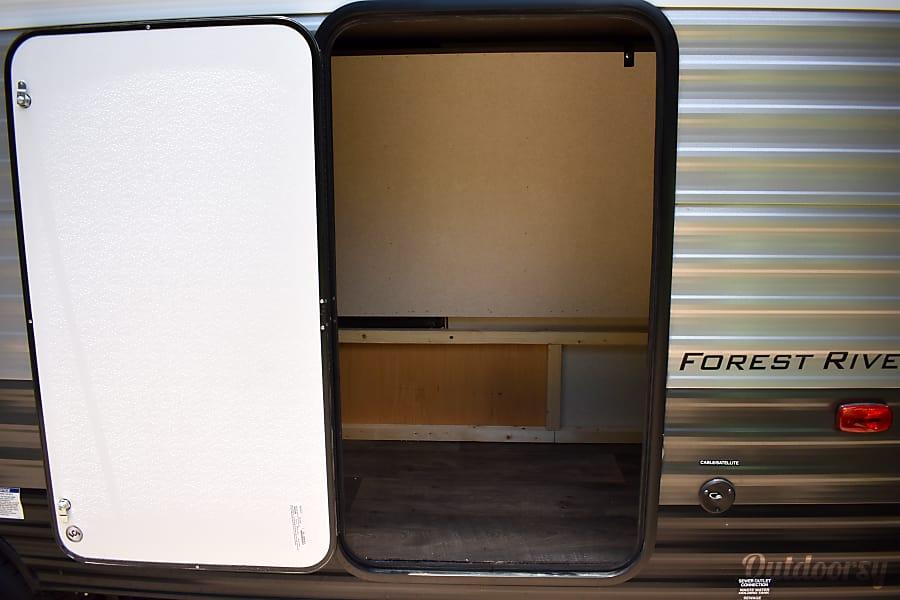 exterior 2018 Forest River Salem Cruise Lite Bastrop, TX