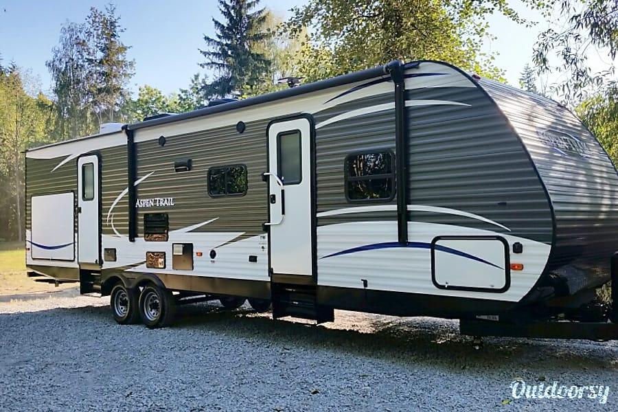 exterior 2017 Dutchmen Aspen Trail Snohomish, WA