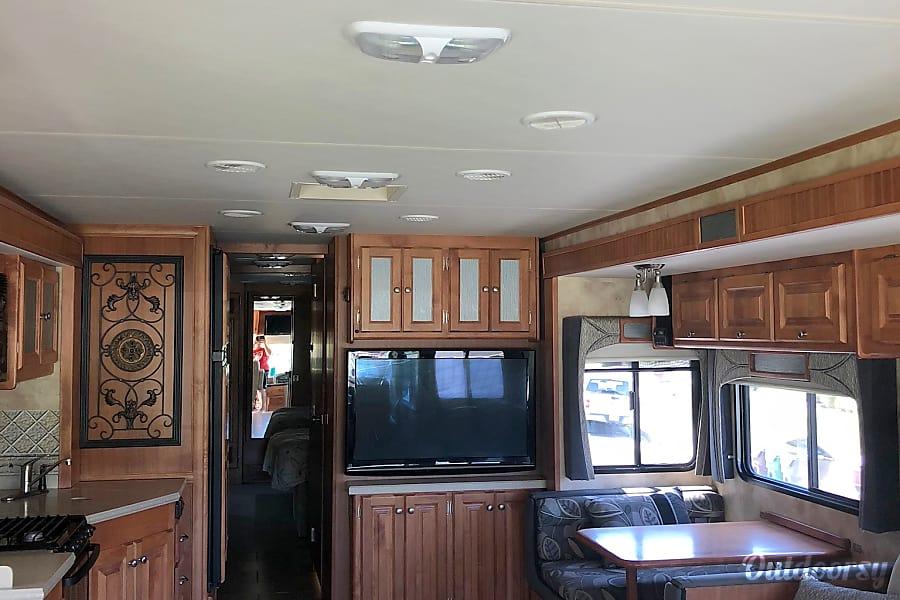 2011 Tiffin Allegro Diesel Motorhome- Bunk House Menifee, CA