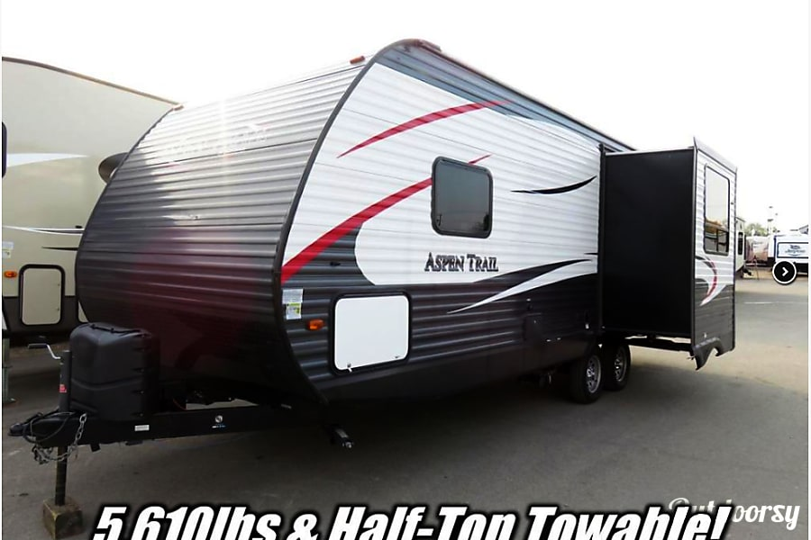 exterior 2015 Dutchman Aspen Trails Travel Trailer Kalamazoo, MI