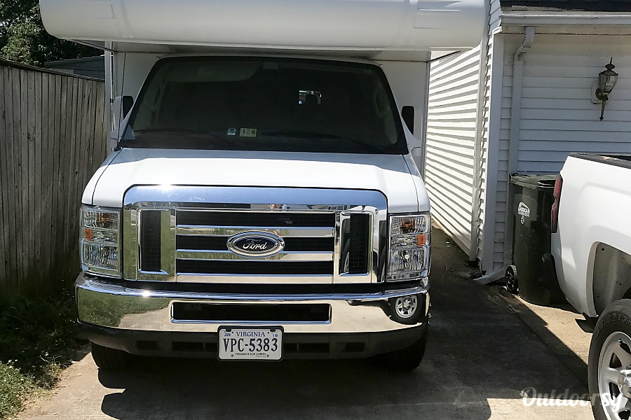 exterior 2014 Ford Coachman Sterling, VA