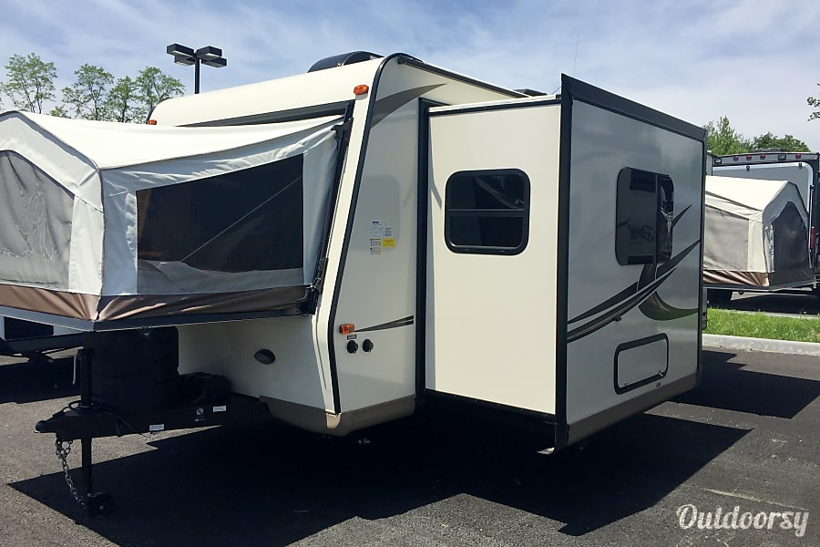 2017 Forest River Rockwood Roo 233S Voorheesville, NY