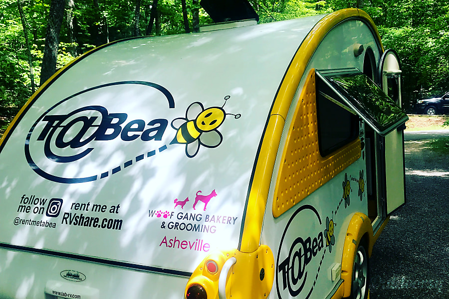 exterior Bea@trice, 2007 Dutch(wo)men T@B teardrop trailer Asheville, NC
