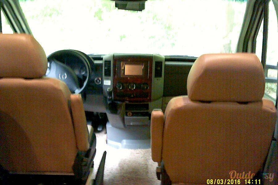 interior Laissez le bon temps rouler (Let the good times roll) Hendersonville, NC