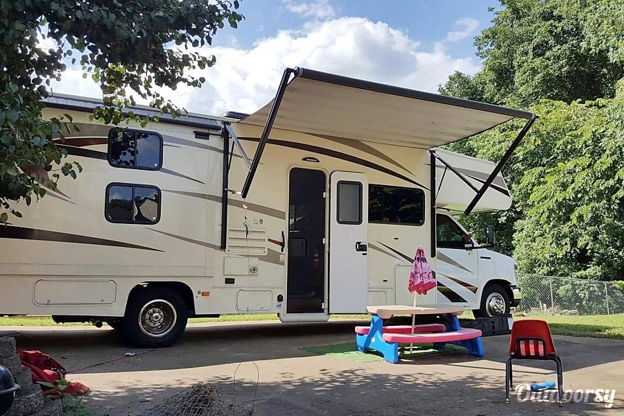 2016 31F bunkhouse Coachmen Freelander Clarksville, TN
