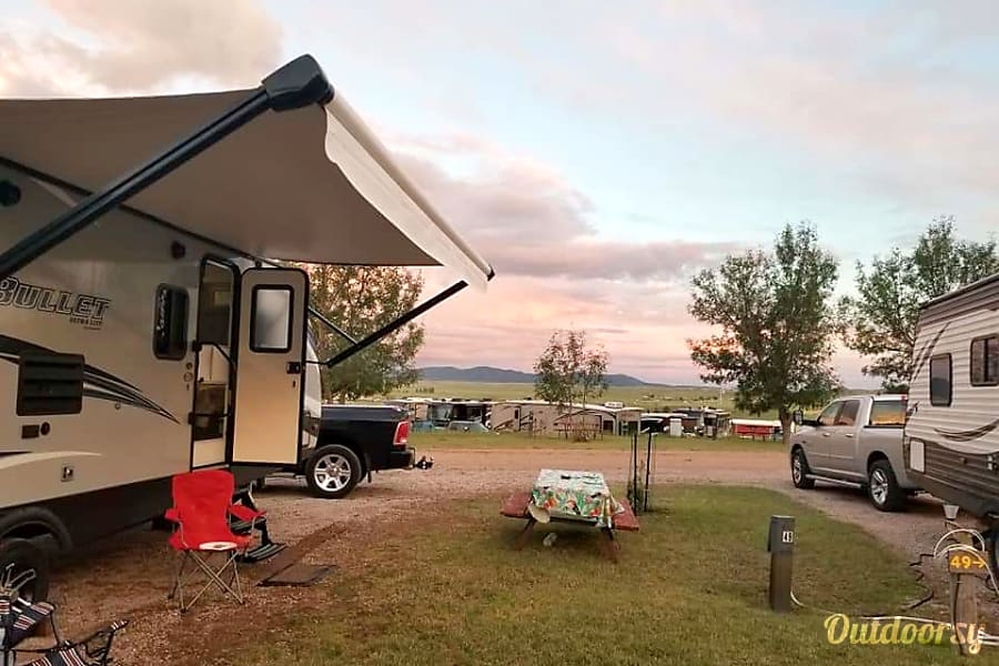 exterior **Pet and Kid Friendly ** 2019 Keystone Bullet 287QBS Cheyenne, WY