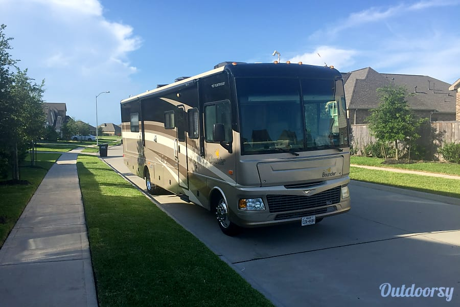 exterior Fleetwood Bounder The Perfect Home away from HOME. Richmond, TX