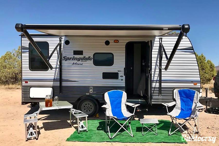 exterior High Vibe Brand New Camper... Come play! Sedona, AZ