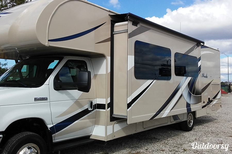 2017 Thor Motor Coach Four Winds Orlando, FL