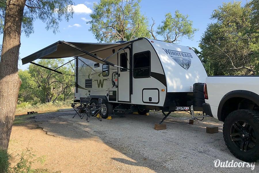 exterior 2019 Winnebago Micro Minnie Buda, TX