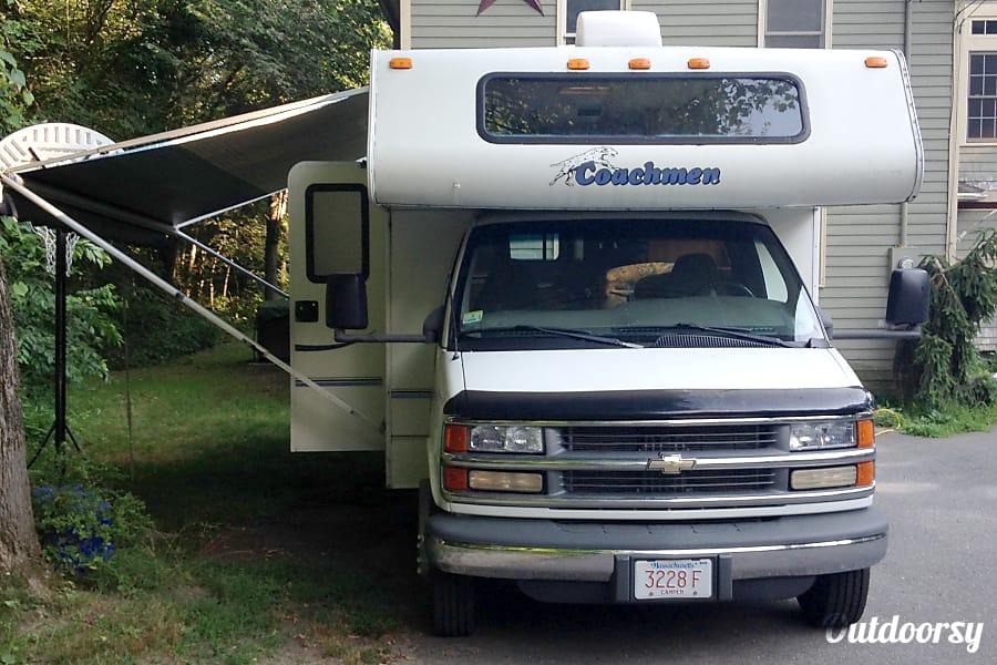 exterior 2004 Coachmen Catalina Worcester, MA