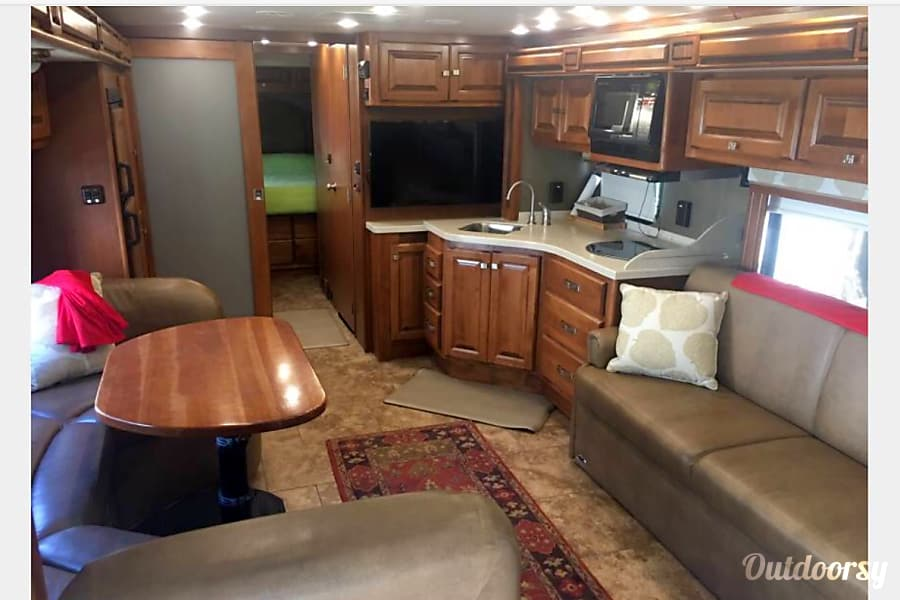 2013 Tiffin Motorhomes Allegro Breeze 32BR Millbrae, CA