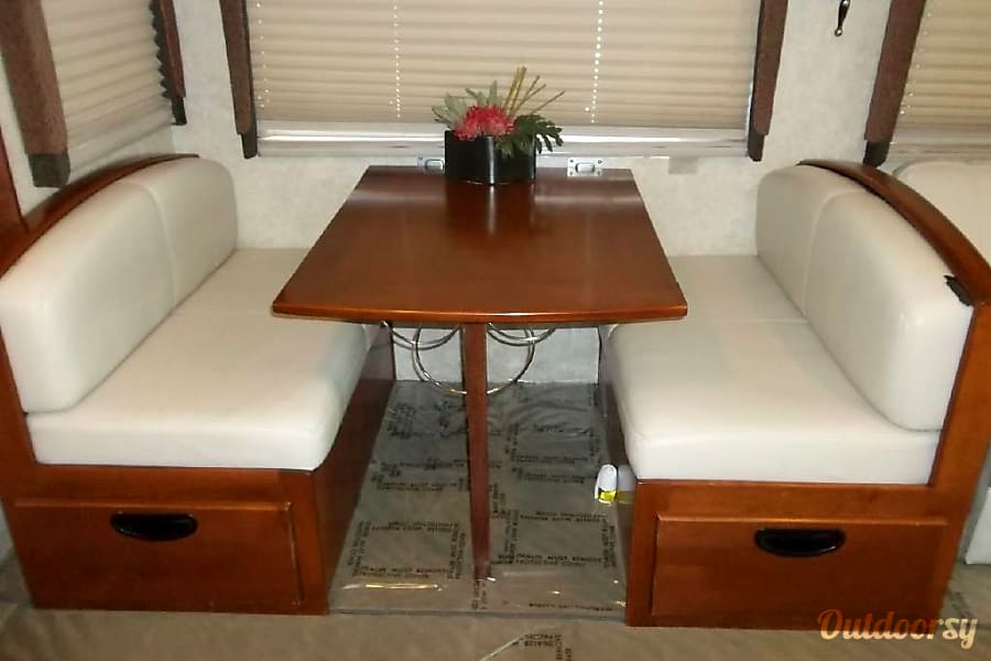 2004 Fleetwood Pace Arrow Longview, WA Dining Table That Folds Down And  Turns Into A