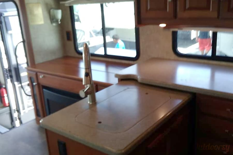 interior 2015 Winnebago Itasca Sunova Saint Cloud, FL