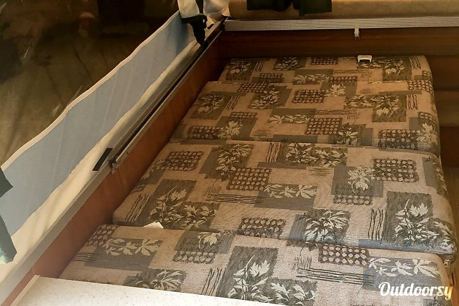 interior 2009 Palomino Real-Lite Bright's Grove, ON