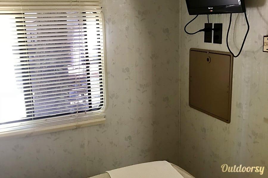 interior 1996 Fleetwood Tioga Red Bank, NJ
