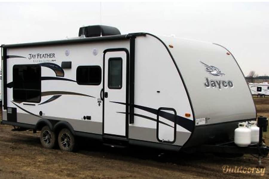 exterior 2015 Jayco Jay Feather Ultra Lite Ottawa, ON