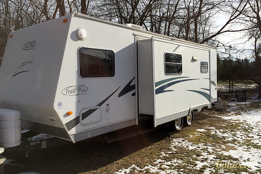 2005 R-Vision Trail-Bay 26bhss Waterford Township, MI