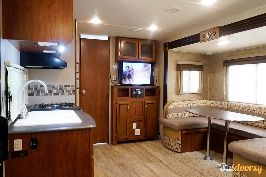 interior SPACIOUS WEEKENDER! FREE DELIVERY IN THE TYLER AREA! Tyler, TX