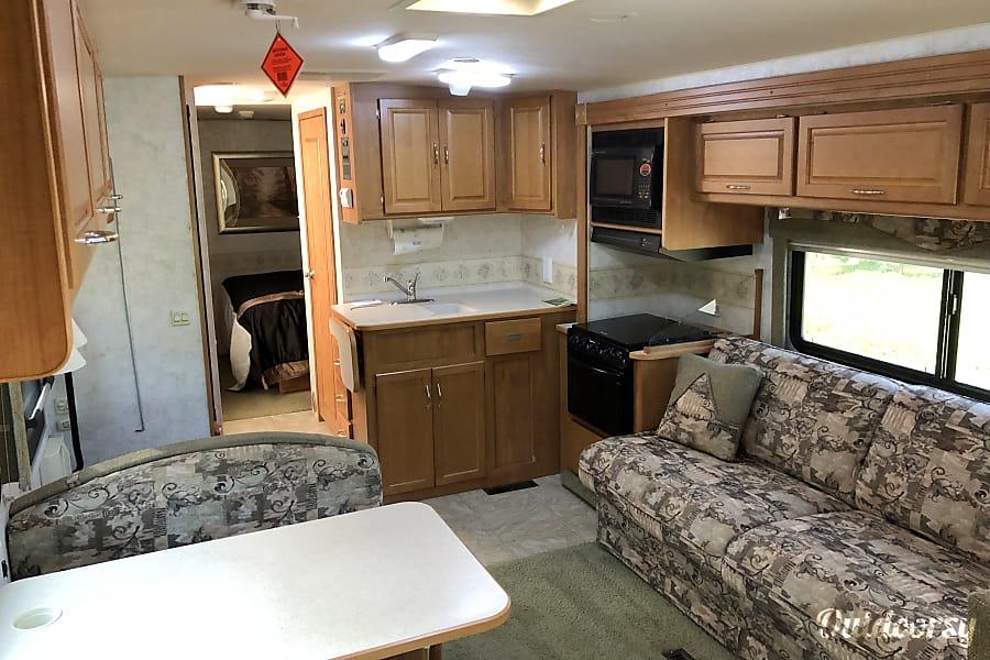 interior 2006 Itasca Sunova Local setup available for fee. Boyne Falls, MI