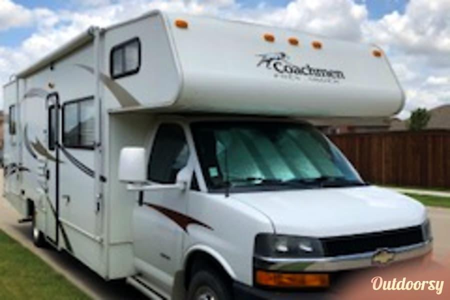 exterior 2013 Coachmen Freelander 31' Sleeps 6-8 Prosper, TX