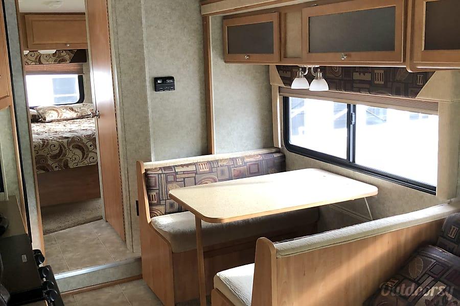 interior 2009 Itasca Impulse Bonita Springs, FL