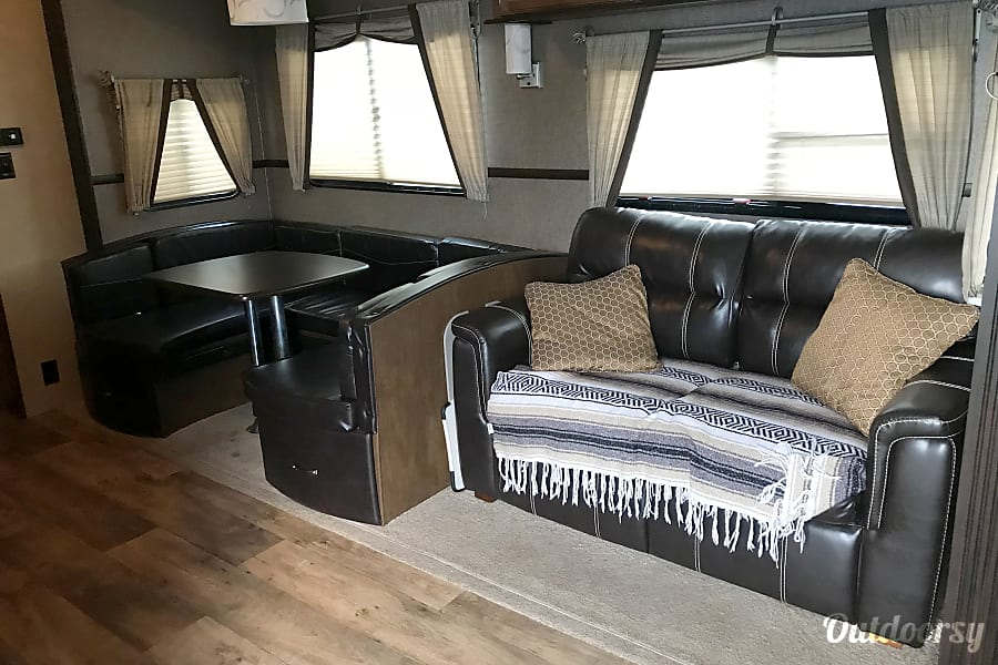 2016 Forest River Heritage Glen Lite Fifth Wheel Rental In Rapid
