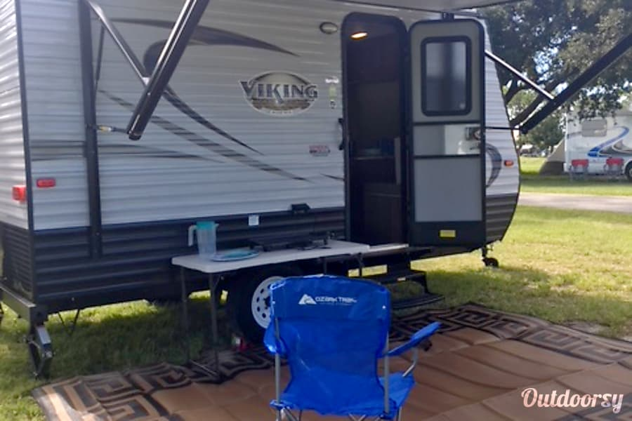 exterior **FULLY STOCKED!**  Easier Than A Pop-Up! 2018 Viking Saga with Bunks Palm Bay, FL