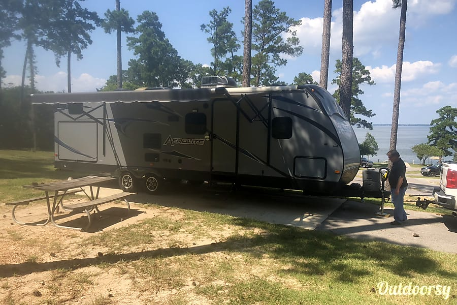 Budget Luxury 2014 Light Bunkhouse Trailer Pearland, TX