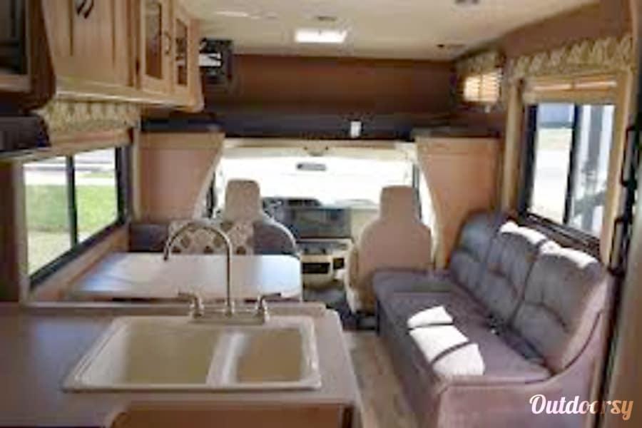interior 2016 Coachmen Freelander Savannah, GA