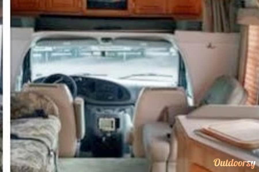 interior 2000 Coachmen Santara 311SB Chalfont, PA