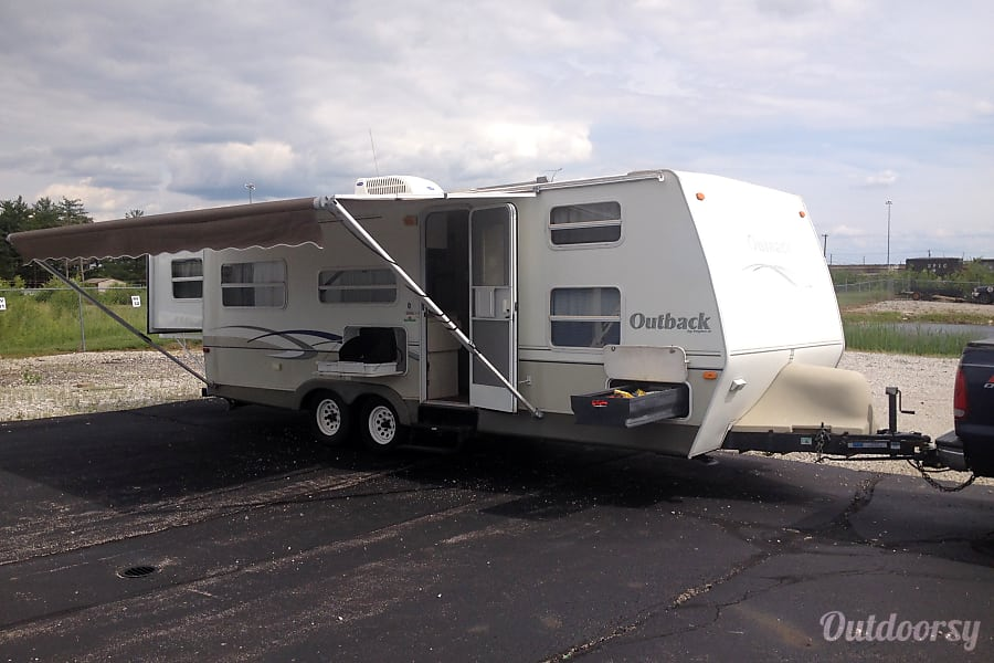 2004 Keystone Outback - Don't judge it by it's age   it's immaculate!