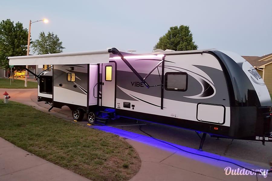 2018 Forest River Vibe Trailer Rental In Wichita Ks Outdoorsy