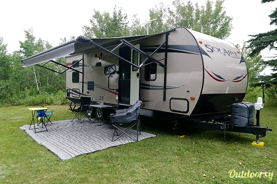 exterior 2014 Forest River Inc Solaire 25BHSS Sturgeon County, AB