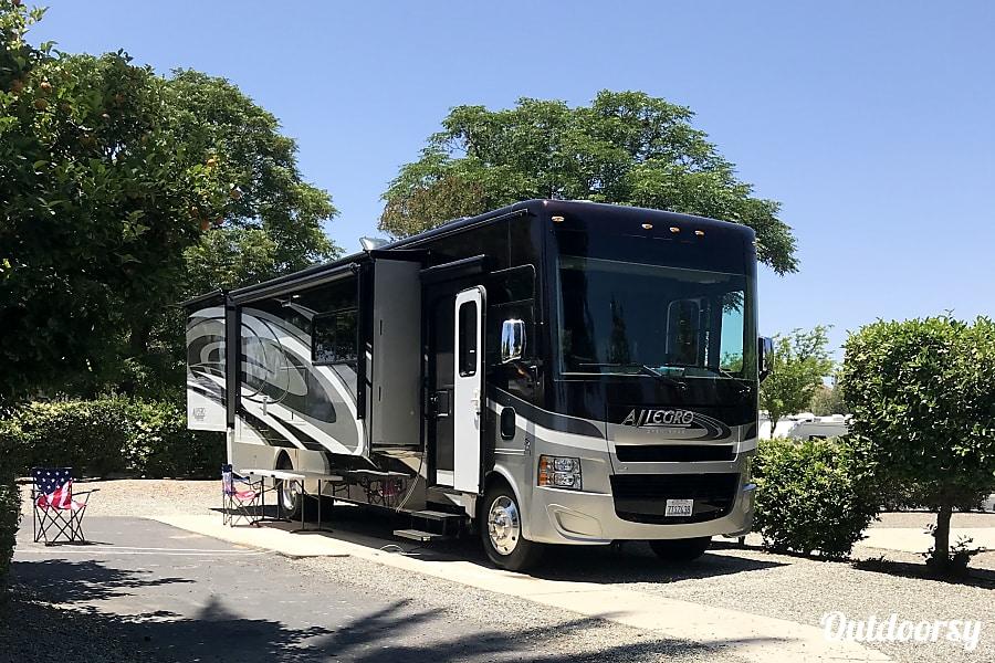 2016 Tiffin Motorhomes Allegro Open Road Costa Mesa, CA