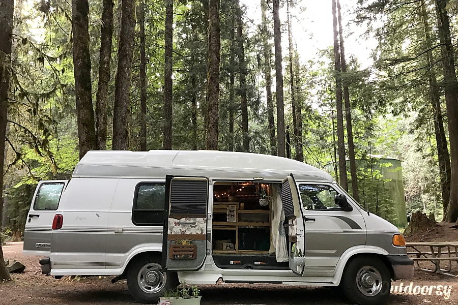 Dodge Conversion Van >> 2001 Dodge Ram 3500 Conversion Van Motor Home Camper Van Rental In