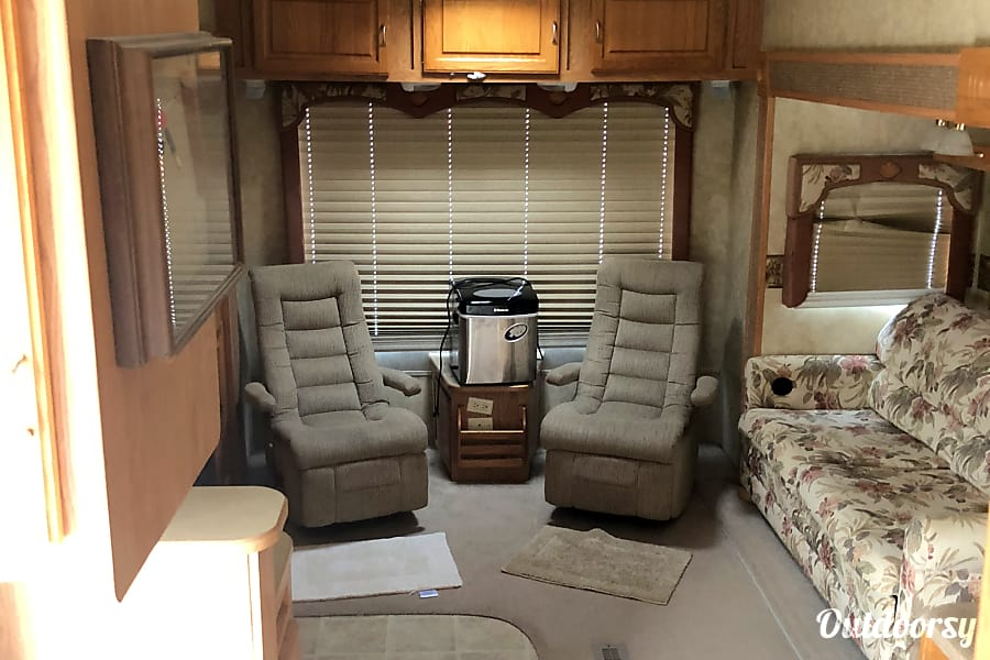 2008 Jayco Eagle Fifth Wheel Rental In Richmond Ky