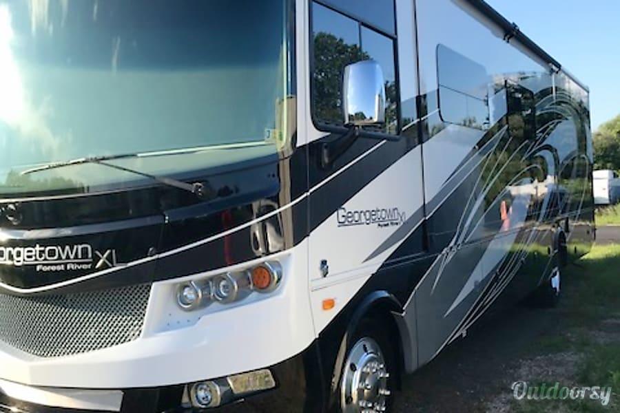 2018 Forest River Georgetown Xl 369ds Motor Home Class A
