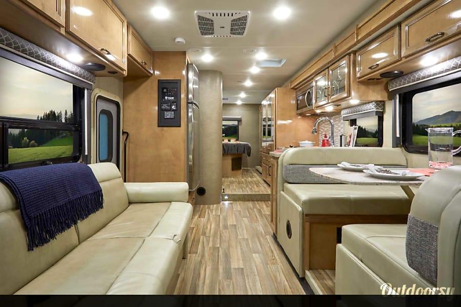 interior 2016 Thor Motor Coach quantom Vancouver, WA