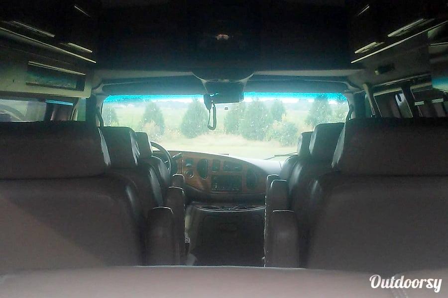 interior 1999 Ford Ford E350 DeWitt, IA
